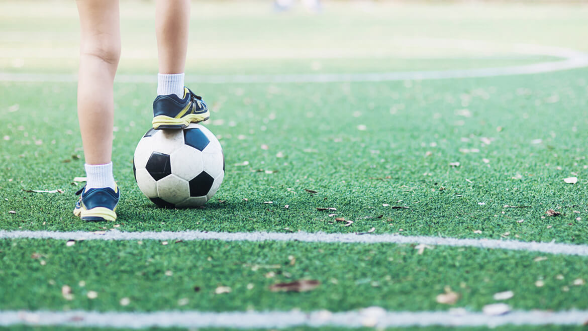 7 Benefits of playing football for kids